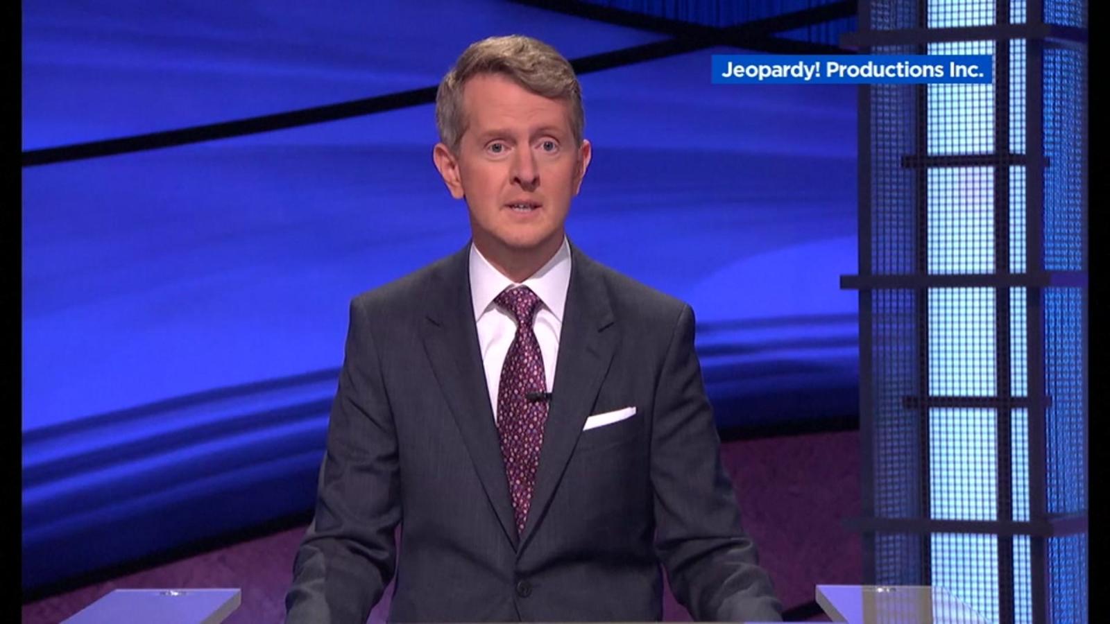 Ken Jennings pays tribute to Alex Trebek during first ...