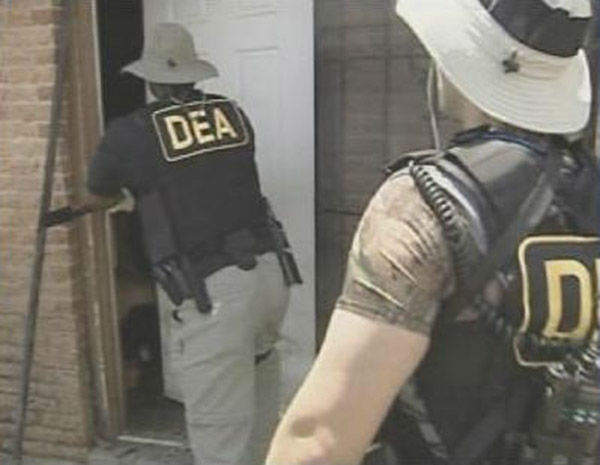 """<div class=""""meta image-caption""""><div class=""""origin-logo origin-image none""""><span>none</span></div><span class=""""caption-text"""">DEA Agents go door to door in Orleans Parish looking for anyone still stranded by the storm. (WPVI Photo)</span></div>"""