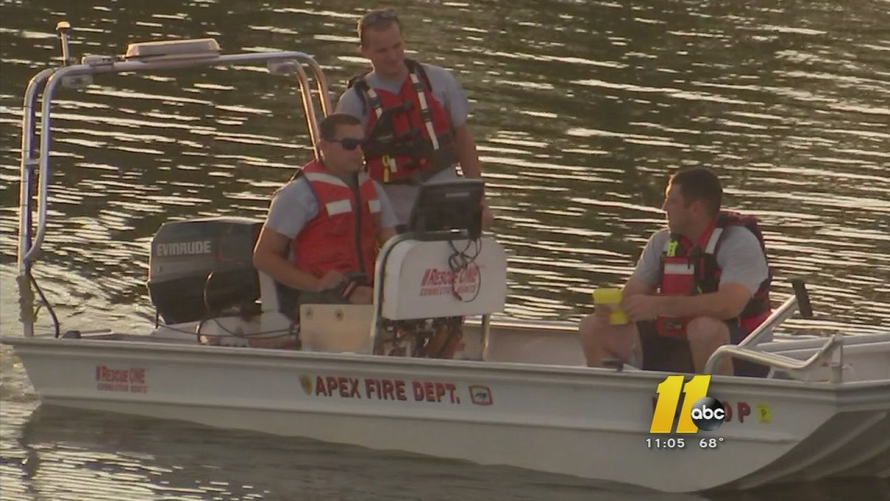Kayaker missing at Jordan Lake