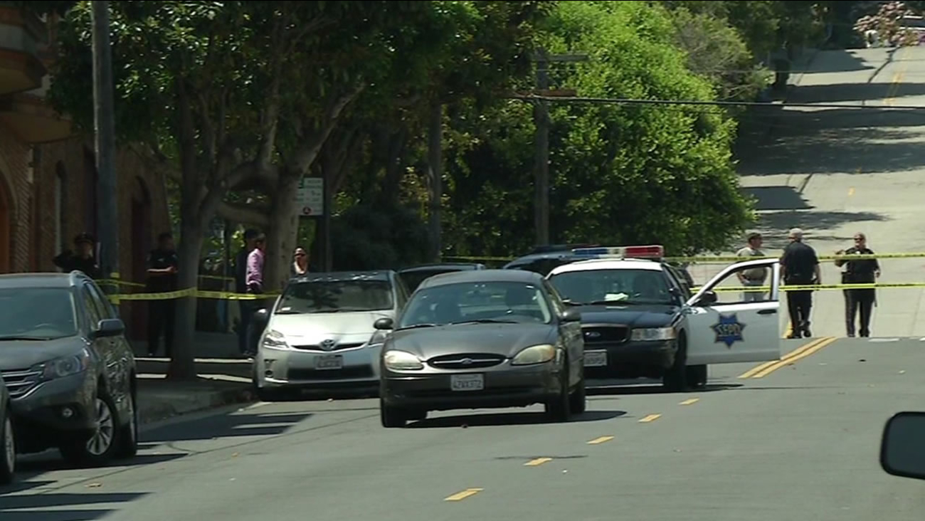 cops investigate shooting of tourist near the crooked part of Lombard Street in San Francisco