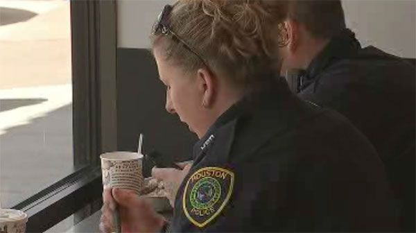 "<div class=""meta image-caption""><div class=""origin-logo origin-image none""><span>none</span></div><span class=""caption-text"">A Houston man bought lunch for law enforcement Saturday afternoon</span></div>"