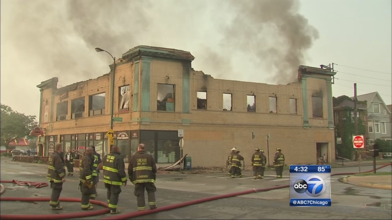 Lincoln Square Lanes destroyed by fire