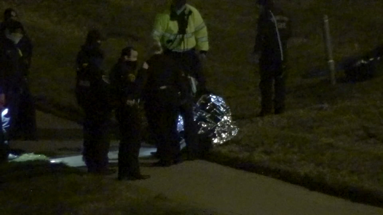 Tire theft suspect plunges into Buffalo Bayou in attempt to flee police
