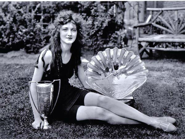 "<div class=""meta image-caption""><div class=""origin-logo origin-image none""><span>none</span></div><span class=""caption-text"">1924 - Ruth Malcomson - Philadelphia, PA (Photo/Miss America Organization)</span></div>"