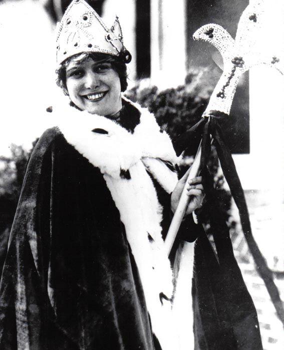 "<div class=""meta image-caption""><div class=""origin-logo origin-image none""><span>none</span></div><span class=""caption-text"">1925 - Fay Lanphier - Oakland, CA (Photo/Miss America Organization)</span></div>"
