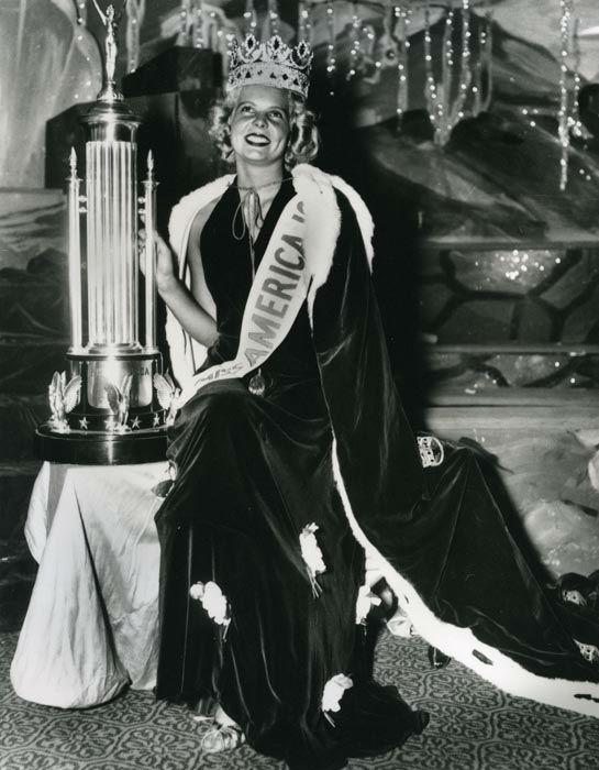 "<div class=""meta image-caption""><div class=""origin-logo origin-image none""><span>none</span></div><span class=""caption-text"">1937 - Bette Cooper - Bertrand Island, NJ (Photo/Miss America Organization)</span></div>"