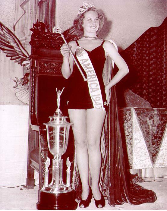 "<div class=""meta image-caption""><div class=""origin-logo origin-image none""><span>none</span></div><span class=""caption-text"">1943 - Jean Bartel - Los Angeles, CA (Photo/Miss America Organization)</span></div>"