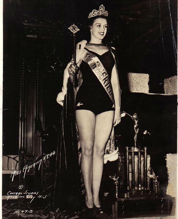 "<div class=""meta image-caption""><div class=""origin-logo origin-image none""><span>none</span></div><span class=""caption-text"">1944 - Venus Ramey - Washington, DC (Photo/Miss America Organization)</span></div>"