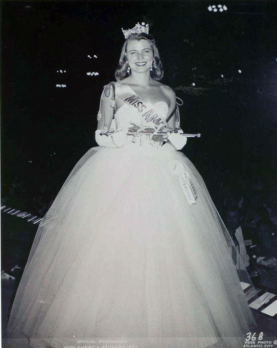 "<div class=""meta image-caption""><div class=""origin-logo origin-image none""><span>none</span></div><span class=""caption-text"">1958 - Marilyn Van Derbur - Denver, CO (Photo/Miss America Organization)</span></div>"