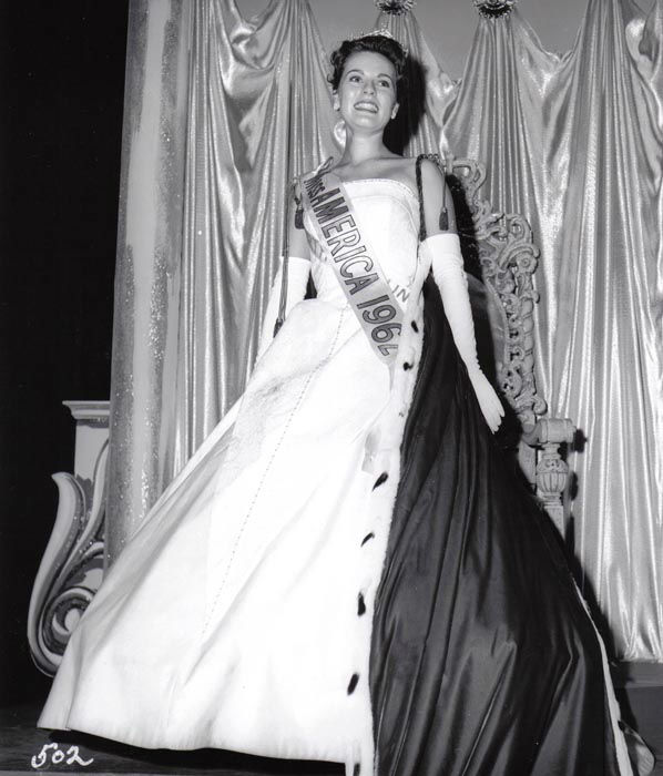 "<div class=""meta image-caption""><div class=""origin-logo origin-image none""><span>none</span></div><span class=""caption-text"">1962 - Maria Fletcher - Asheville, NC (Photo/Miss America Organization)</span></div>"
