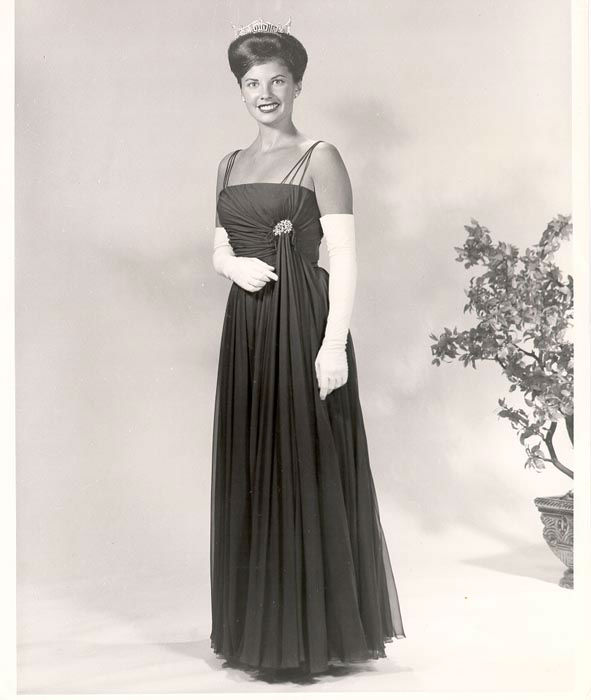 "<div class=""meta image-caption""><div class=""origin-logo origin-image none""><span>none</span></div><span class=""caption-text"">1963 - Jacquelyn Mayer - Sandusky, OH (Photo/Miss America Organization)</span></div>"