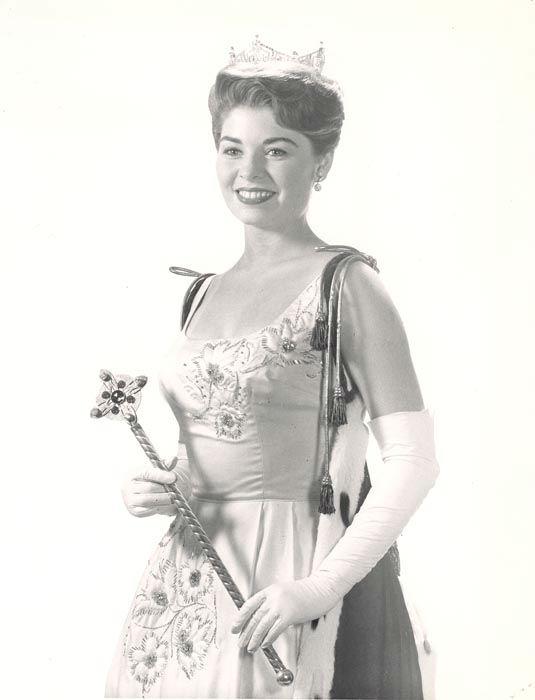 """<div class=""""meta image-caption""""><div class=""""origin-logo origin-image none""""><span>none</span></div><span class=""""caption-text"""">1964 - Donna Axum - El Dorado, AR (Photo/Miss America Organization)</span></div>"""