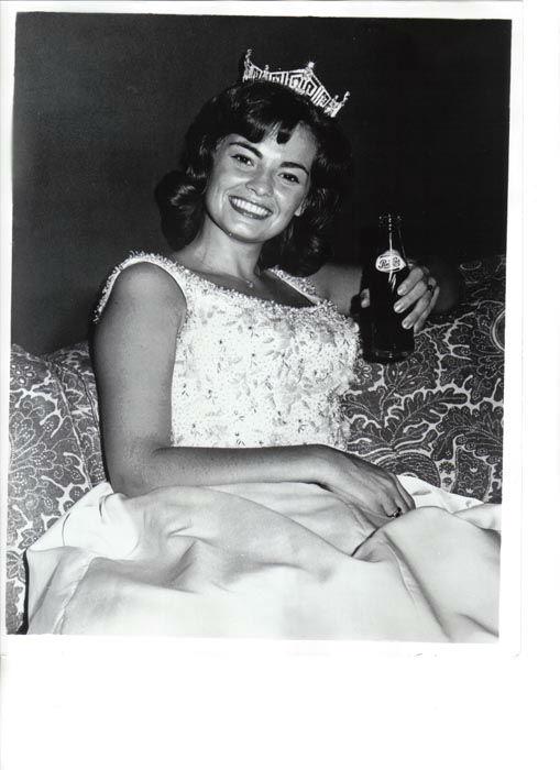 "<div class=""meta image-caption""><div class=""origin-logo origin-image none""><span>none</span></div><span class=""caption-text"">1965 - Vonda Van Dyke - Phoenix, AZ (Photo/Miss America Organization)</span></div>"