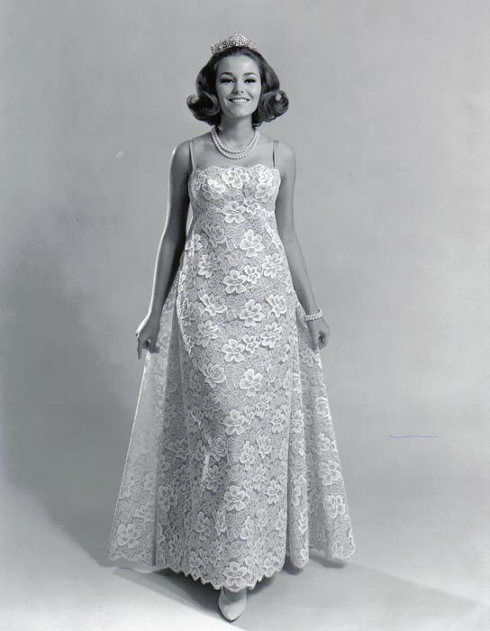 "<div class=""meta image-caption""><div class=""origin-logo origin-image none""><span>none</span></div><span class=""caption-text"">1966 - Deborah Bryant - Overland Park, KS (Photo/Miss America Organization)</span></div>"