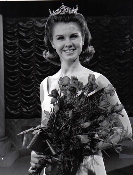 "<div class=""meta image-caption""><div class=""origin-logo origin-image none""><span>none</span></div><span class=""caption-text"">1968 - Debra Barnes - Pittsburg, KS (Photo/Miss America Organization)</span></div>"