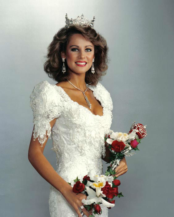 "<div class=""meta image-caption""><div class=""origin-logo origin-image none""><span>none</span></div><span class=""caption-text"">1988 - Kaye Lani Rae Rafko - Monroe, MI (Photo/Miss America Organization)</span></div>"