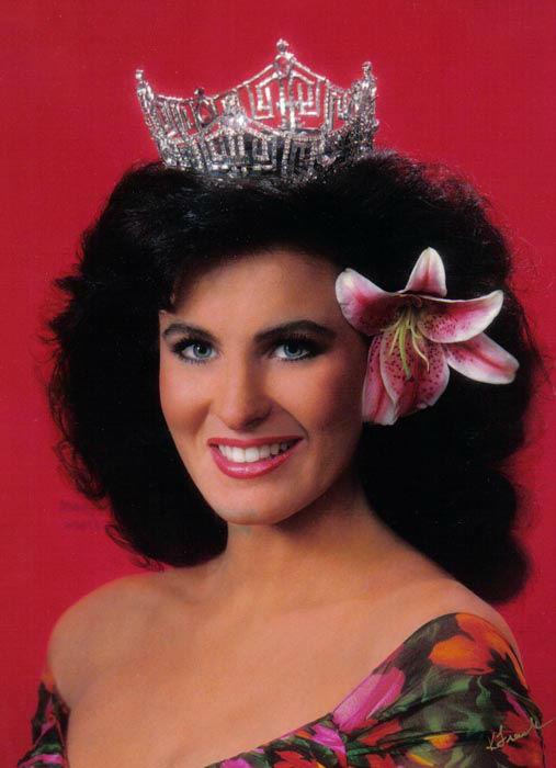 "<div class=""meta image-caption""><div class=""origin-logo origin-image none""><span>none</span></div><span class=""caption-text"">1992 - Carolyn Sapp - Honolulu, HI (Photo/Miss America Organization)</span></div>"
