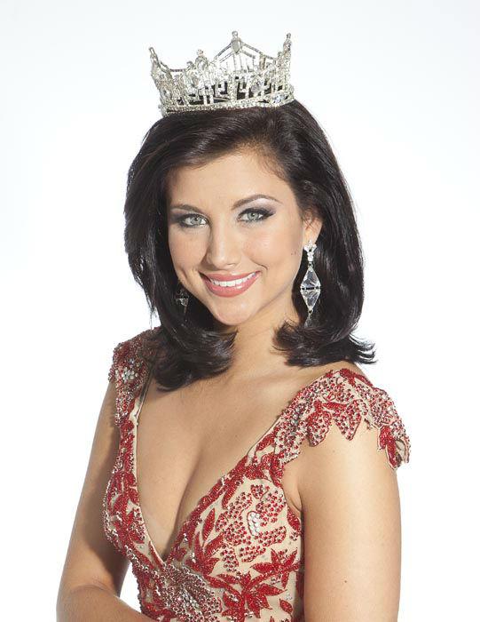 "<div class=""meta image-caption""><div class=""origin-logo origin-image none""><span>none</span></div><span class=""caption-text"">2012 - Laura Kaeppeler - Kenosha, WI (Photo/Miss America Organization)</span></div>"