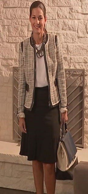 "<div class=""meta image-caption""><div class=""origin-logo origin-image none""><span>none</span></div><span class=""caption-text"">Fashion stylist Wendy Patterson used one jacket to put together seven different looks with an existing wardrobe. (KTRK Photo)</span></div>"