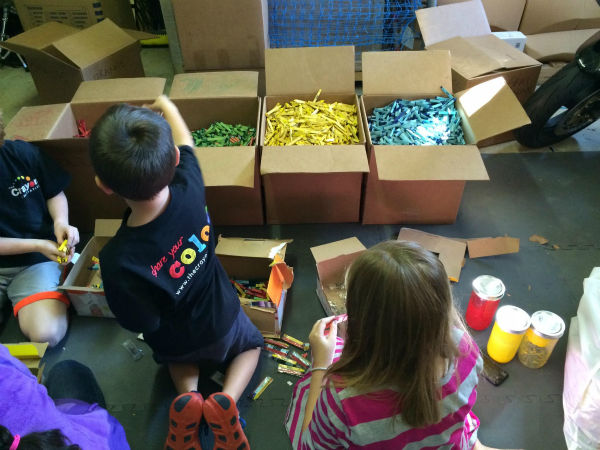 """<div class=""""meta image-caption""""><div class=""""origin-logo origin-image none""""><span>none</span></div><span class=""""caption-text"""">The crayons are then packaged up and delivered to children's hospitals for patients to enjoy. (The Crayon Initiative/Facebook)</span></div>"""