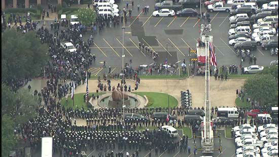 <div class='meta'><div class='origin-logo' data-origin='none'></div><span class='caption-text' data-credit='KTRK Photo/ KTRK'>Thousands gather to remember Deputy Darren Goforth outside Second Baptist Church in Houston</span></div>