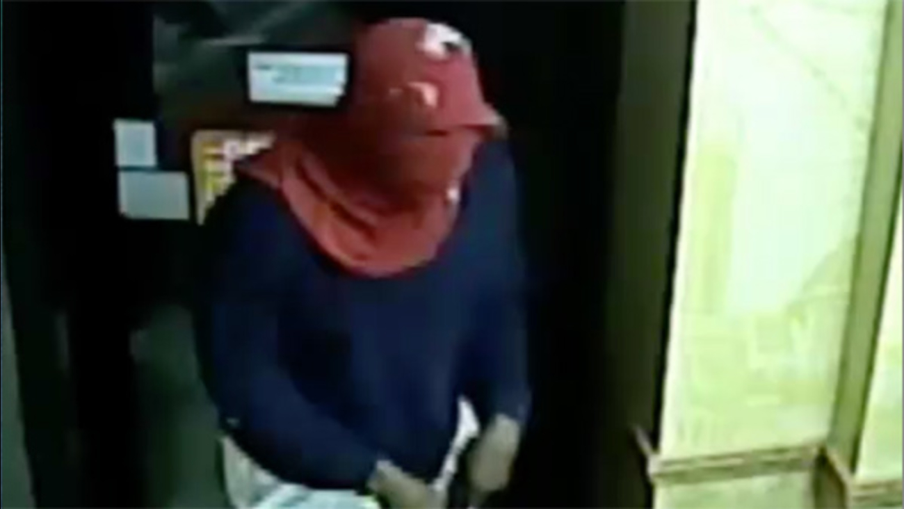 Suspect sought in Northern Libs restaurant robbery