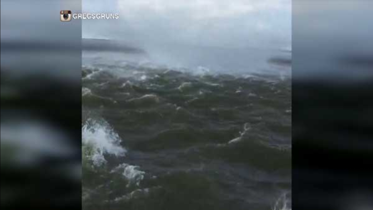 A man sailed right through a waterspout in Vermillion Bay, Louisiana, and caught the whole thing on camera.