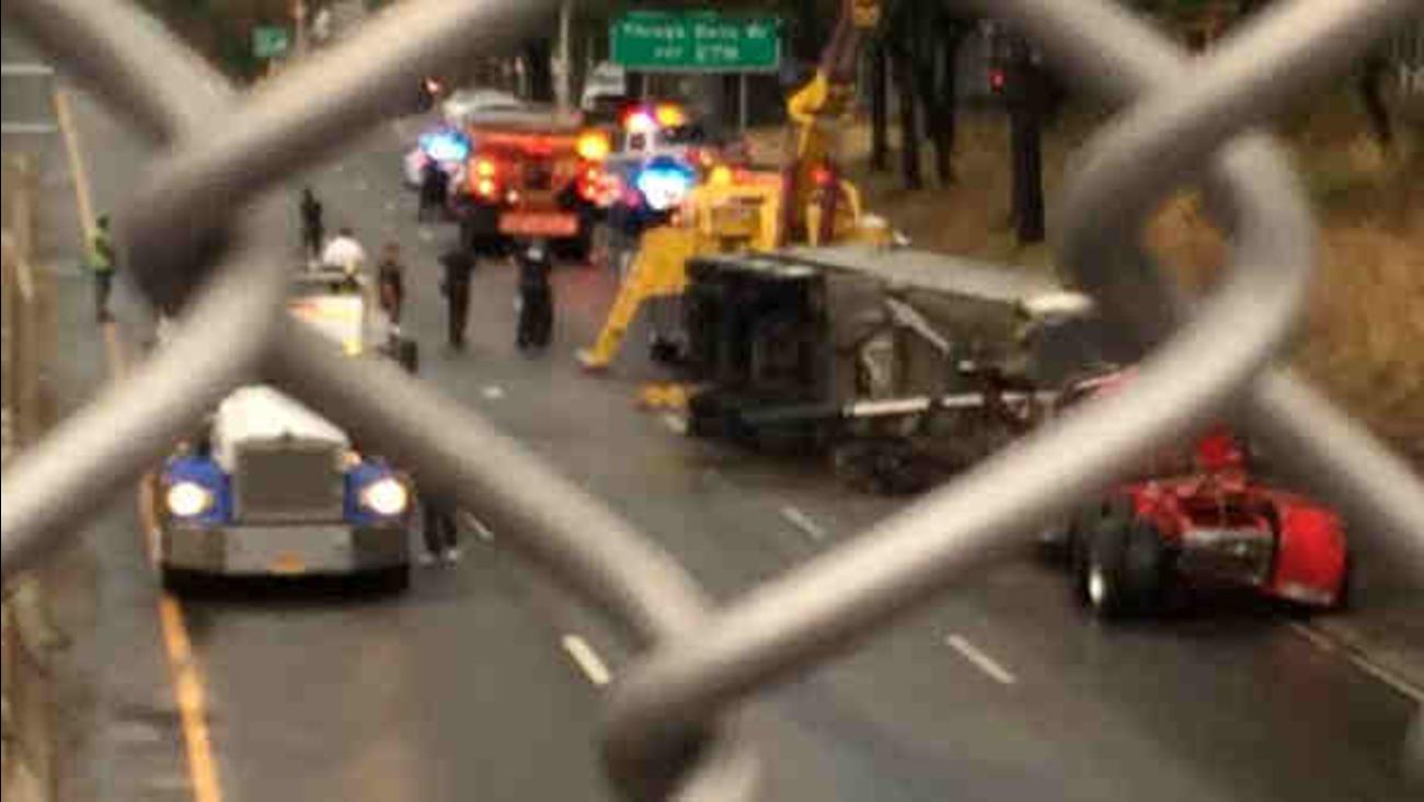 Tractor Trailer Flips In Queens On Long Island Expressway