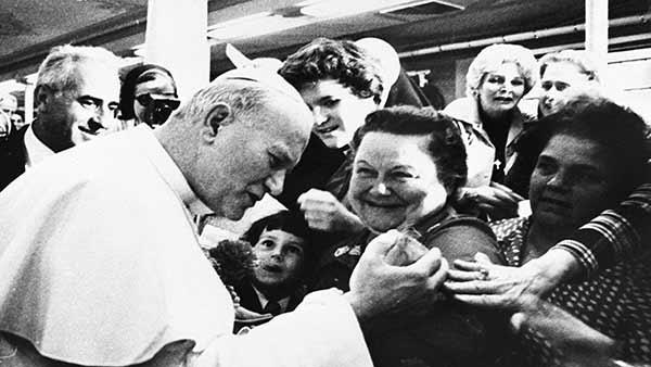 [Obrazek: 977393_091015-wpvi-pope-john-paul-philly...-2-img.jpg]