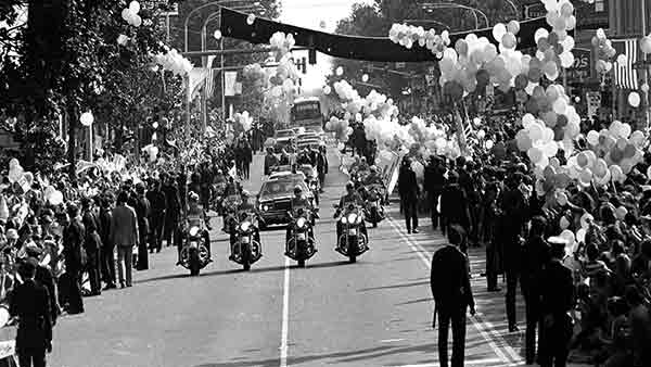 """<div class=""""meta image-caption""""><div class=""""origin-logo origin-image ap""""><span>AP</span></div><span class=""""caption-text"""">Hundreds of balloons are released as Pope John Paul II passes in a motorcade in Philadelphia, Pa., Oct. 3, 1979.</span></div>"""