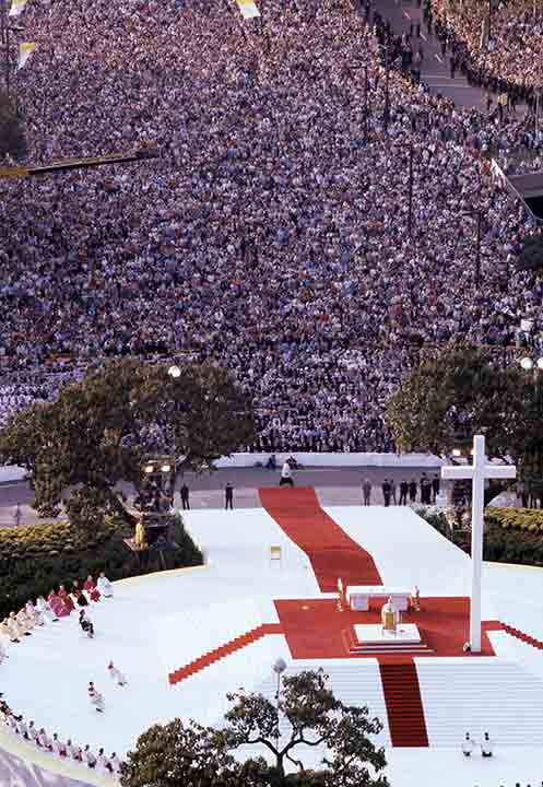 """<div class=""""meta image-caption""""><div class=""""origin-logo origin-image ap""""><span>AP</span></div><span class=""""caption-text"""">Pope John Paul II stands at the altar as he performs an outdoor mass for a huge audience at Logan Circle in Philadelphia, Pa., Oct. 3, 1979.</span></div>"""