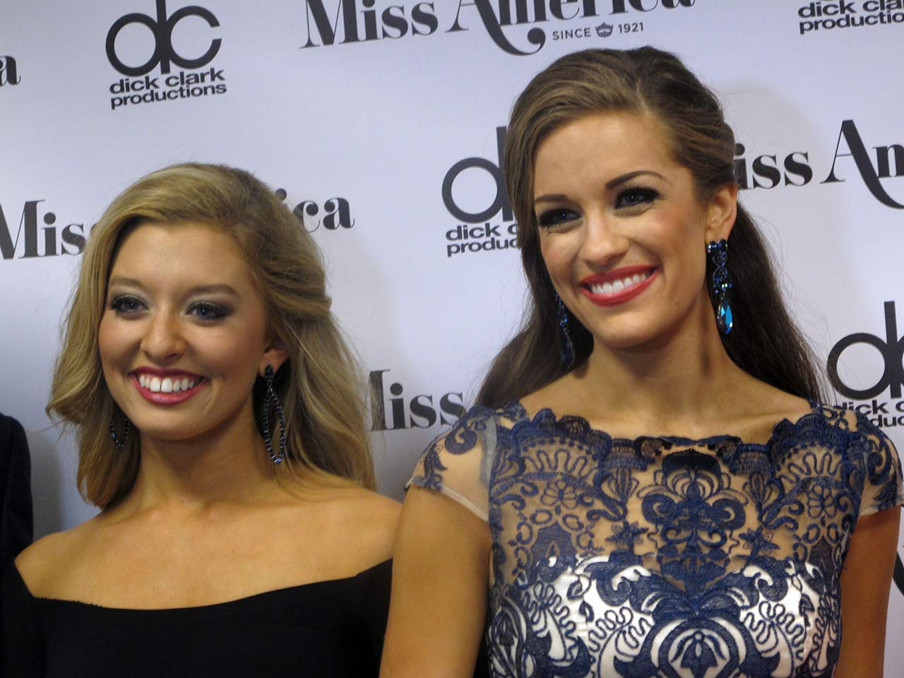 "<div class=""meta image-caption""><div class=""origin-logo origin-image ap""><span>AP</span></div><span class=""caption-text"">Miss Iowa Taylor Wiebers, left, and Miss Georgia Betty Cantrell, right, on Thursday Sept. 10, 2015 after winning awards in the Miss America preliminary competition (AP Photo/Wayne Parry)</span></div>"