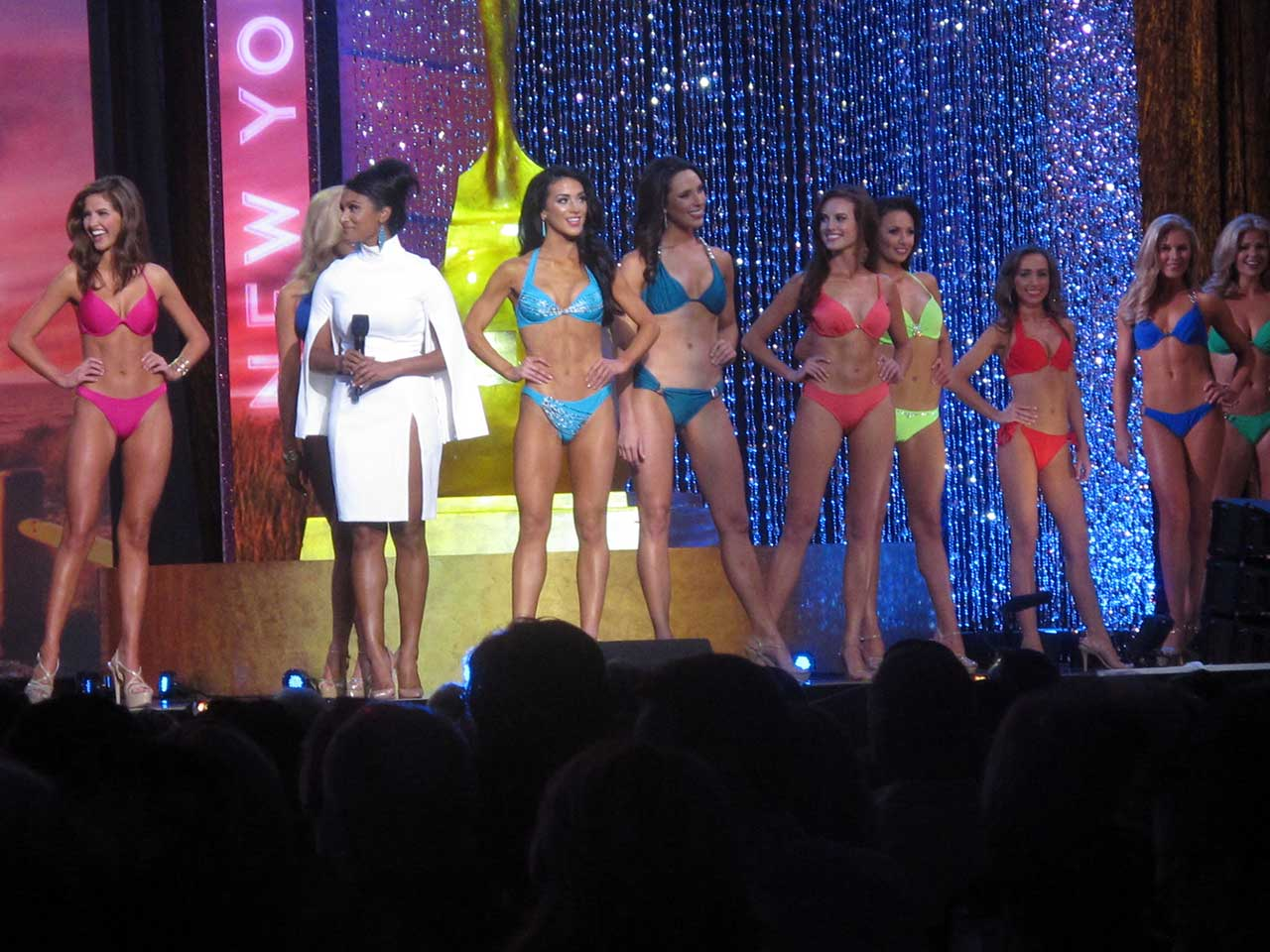 "<div class=""meta image-caption""><div class=""origin-logo origin-image ap""><span>AP</span></div><span class=""caption-text"">Contestants in the 2016 Miss America pageant walk the runway at Boardwalk Hall in Atlantic City, N.J. during preliminary competition. (AP Photo/Wayne Parry)</span></div>"