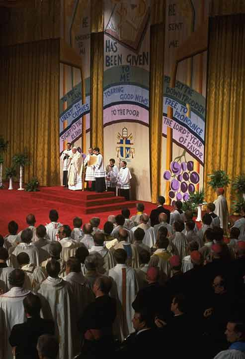 """<div class=""""meta image-caption""""><div class=""""origin-logo origin-image ap""""><span>AP</span></div><span class=""""caption-text"""">Pope John Paul II is shown celebrating mass at the alter in Philadelphia, PA, October 3, 1979. Also standing at the alter is John Cardinal Krol of Philadelphia.</span></div>"""