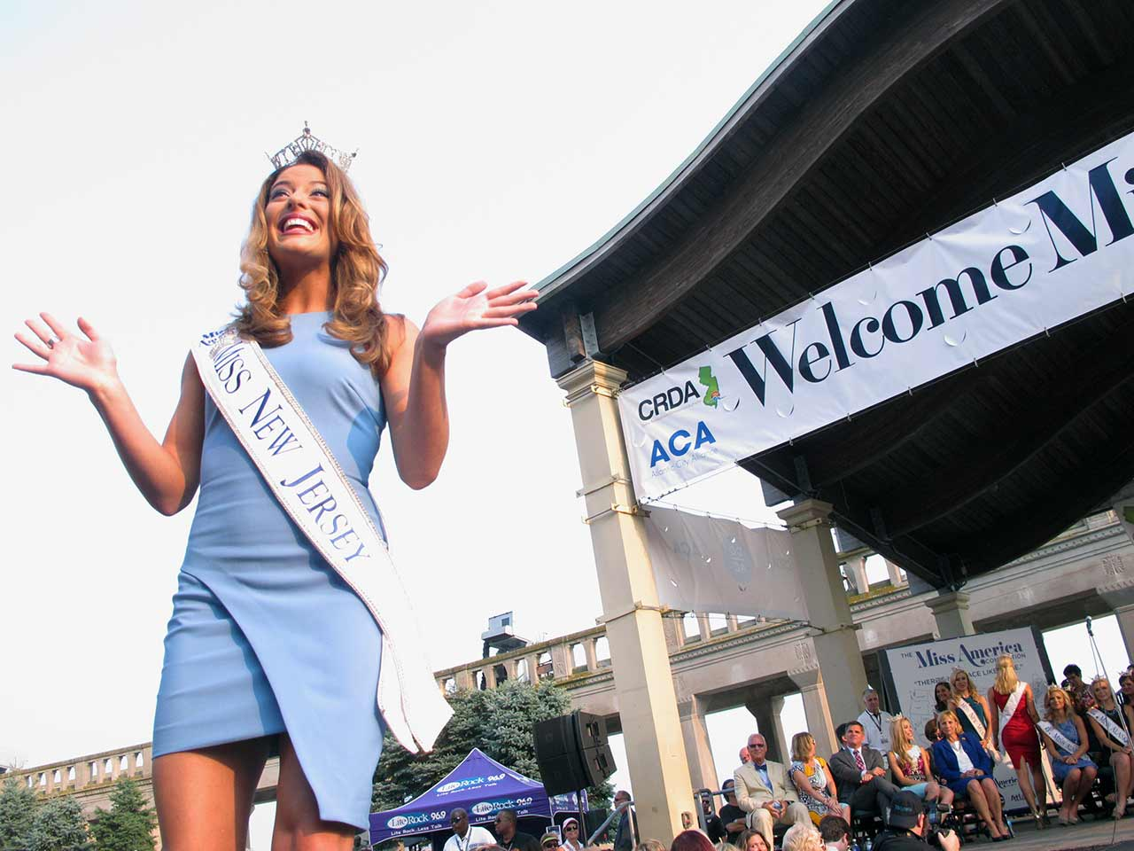 "<div class=""meta image-caption""><div class=""origin-logo origin-image ap""><span>AP</span></div><span class=""caption-text"">Miss New Jersey Lindsey Giannini walks the runway at the traditional Miss America welcome ceremony on the Atlantic City Boardwalk on Tuesday, Sept. 1, 2015. (AP Photo/Wayne Parry)</span></div>"