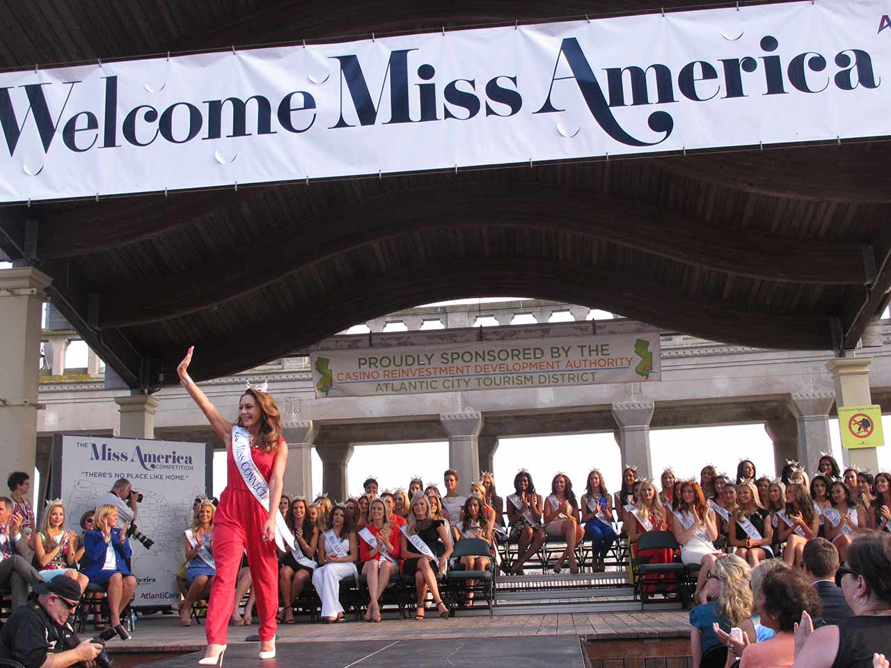 "<div class=""meta image-caption""><div class=""origin-logo origin-image ap""><span>AP</span></div><span class=""caption-text"">Miss Connecticut Colleen Ward walks the runway at the traditional Miss America welcome ceremony on the Atlantic City Boardwalk on Tuesday, Sept. 1, 2015. (AP Photo/Wayne Parry)</span></div>"