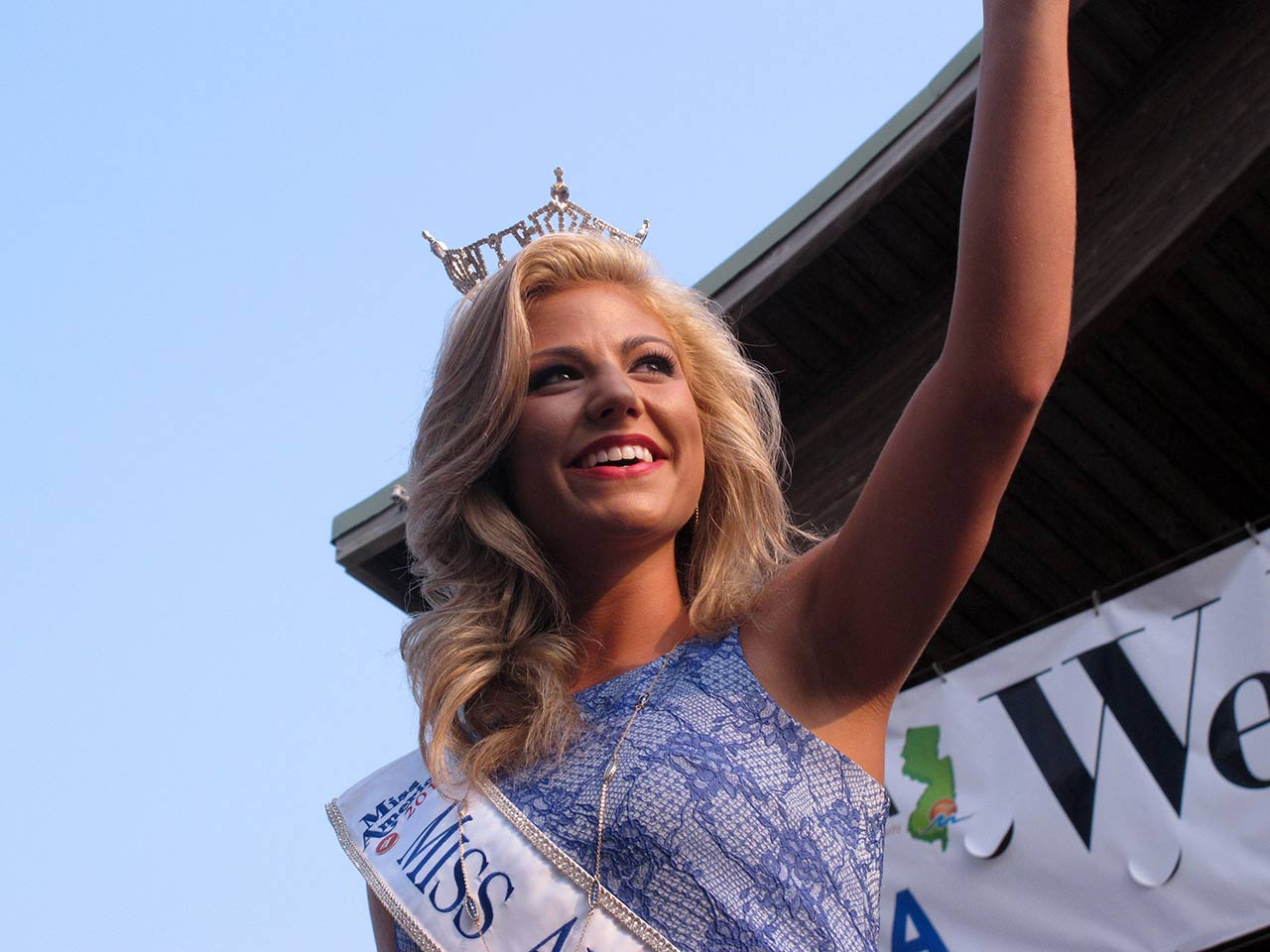 "<div class=""meta image-caption""><div class=""origin-logo origin-image ap""><span>AP</span></div><span class=""caption-text"">Miss Alabama Meg McGuffin at the traditional welcome ceremony on the Atlantic City Boardwalk on Tuesday, Sept. 1, 2015. (AP Photo/Wayne Parry)</span></div>"