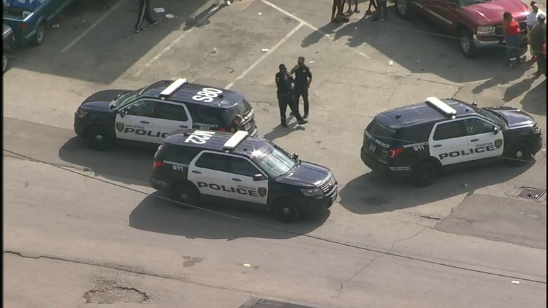 16 Year Old Boy Dies After Daytime Shooting In Southeast Houston Police Say Abc13 Houston