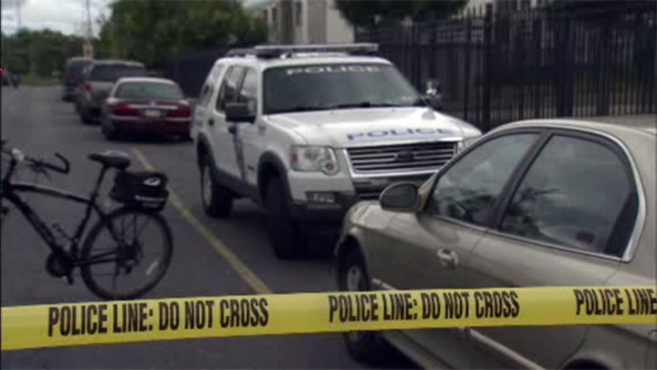 Police investigate double shooting in North Philadelphia