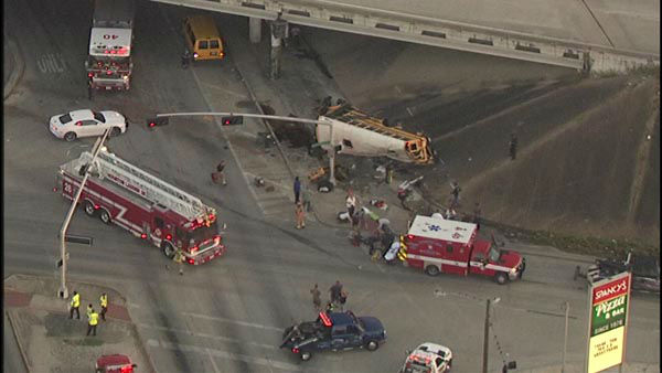 "<div class=""meta image-caption""><div class=""origin-logo origin-image none""><span>none</span></div><span class=""caption-text"">Two students were killed and two others seriously injured when a school bus careened off the 610 South Loop at Telephone Road.</span></div>"