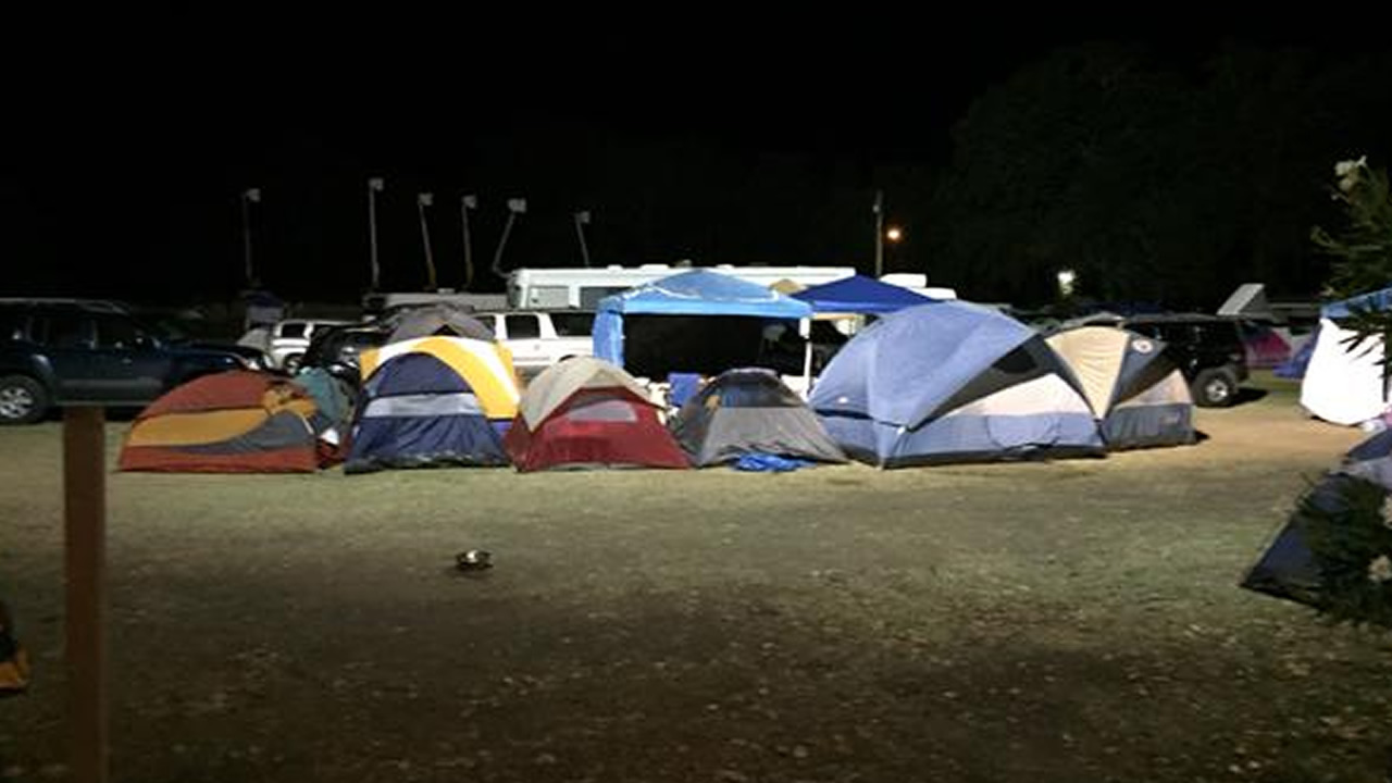 "<div class=""meta image-caption""><div class=""origin-logo origin-image none""><span>none</span></div><span class=""caption-text"">More than a thousand evacuees are at the Napa County Fairgrounds in Calistoga, Calif.,  because of the Valley Fire on Tuesday, September 15, 2015. (KGO-TV)</span></div>"