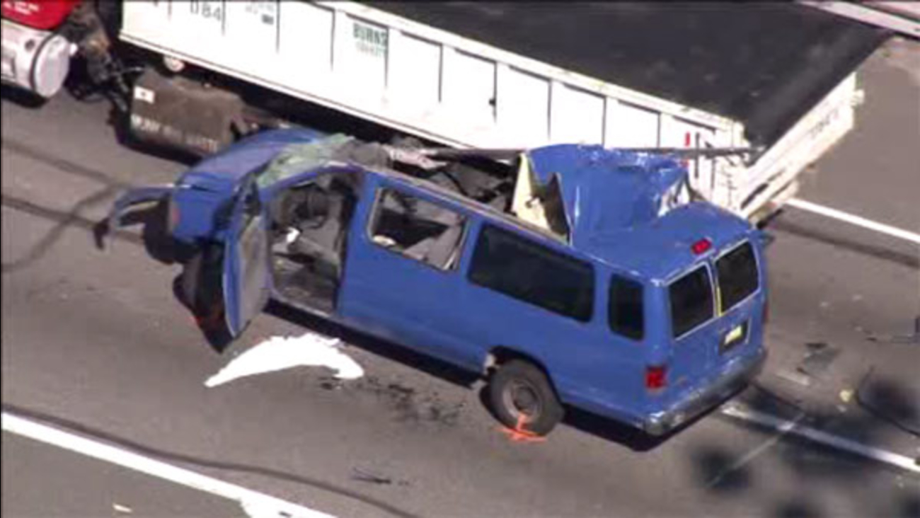 Serious crash on westbound Schuylkill Expressway at Rt. 1