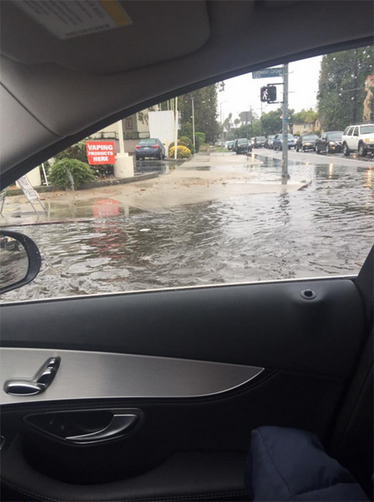 """<div class=""""meta image-caption""""><div class=""""origin-logo origin-image kabc""""><span>KABC</span></div><span class=""""caption-text"""">ABC7 viewer Dana Workman shared this photo of flooding in Los Angeles on Tuesday, Sept. 15, 2015. (Dana Workman/ Tiwtter)</span></div>"""