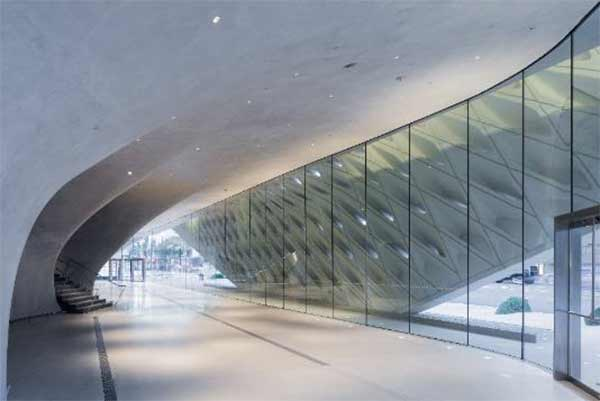 "<div class=""meta image-caption""><div class=""origin-logo origin-image none""><span>none</span></div><span class=""caption-text"">The veil interior of The Broad museum's lobby is seen in this photo. (Photo by Iwan Baan courtesy of The Broad and Diller Scofidio + Renfro)</span></div>"