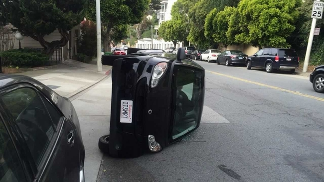 Smart Car Owners Beware Vandals Once Again Tipping Tiny Vehicles In San Francisco Abc7news