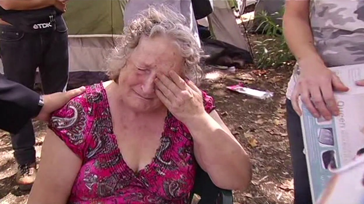 "<div class=""meta image-caption""><div class=""origin-logo origin-image none""><span>none</span></div><span class=""caption-text"">7 On Your Side was able to help a group of women in Calistoga who needed a mattress on top of their cots at the Valley Fire evacuation center, Thursday, September 18, 2015. (KGO_TV)</span></div>"