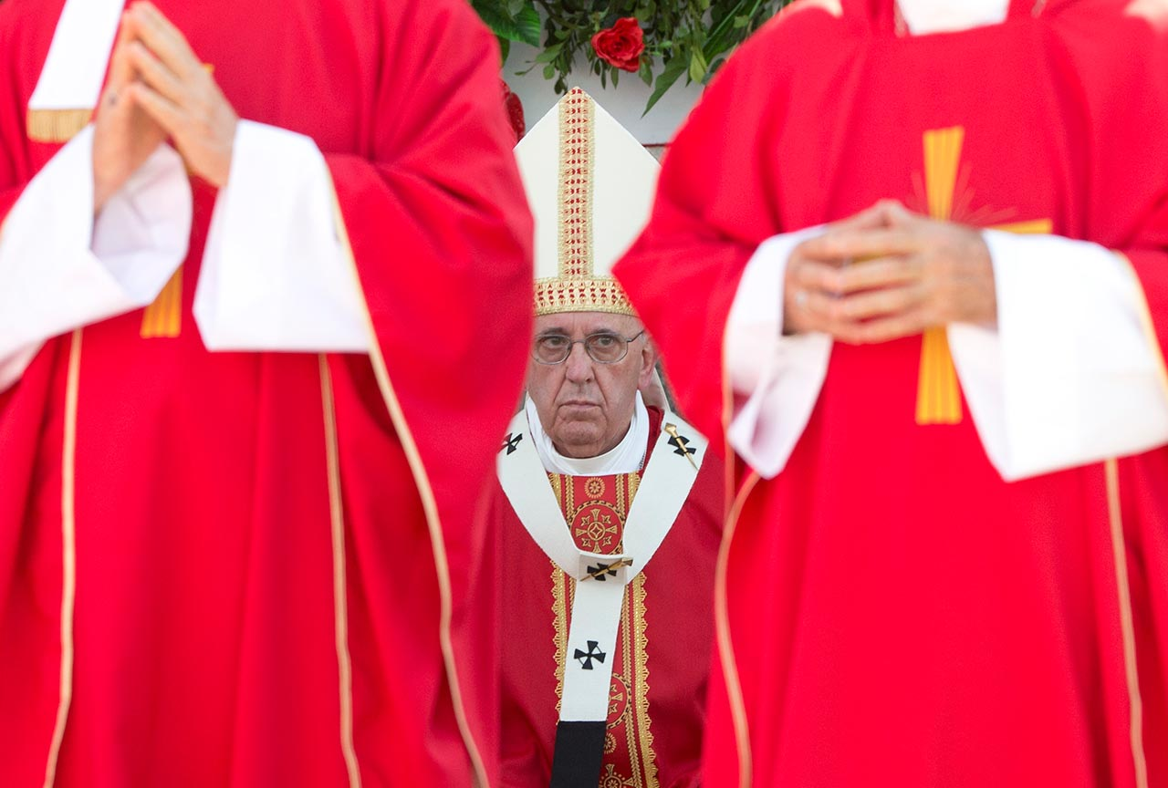 """<div class=""""meta image-caption""""><div class=""""origin-logo origin-image none""""><span>none</span></div><span class=""""caption-text"""">Pope Francis approaches the altar to deliver Mass at the Plaza of the Revolution, in Holguin, Cuba, Monday, Sept. 21, 2015. (AP Photo/Alessandra Tarantino)</span></div>"""