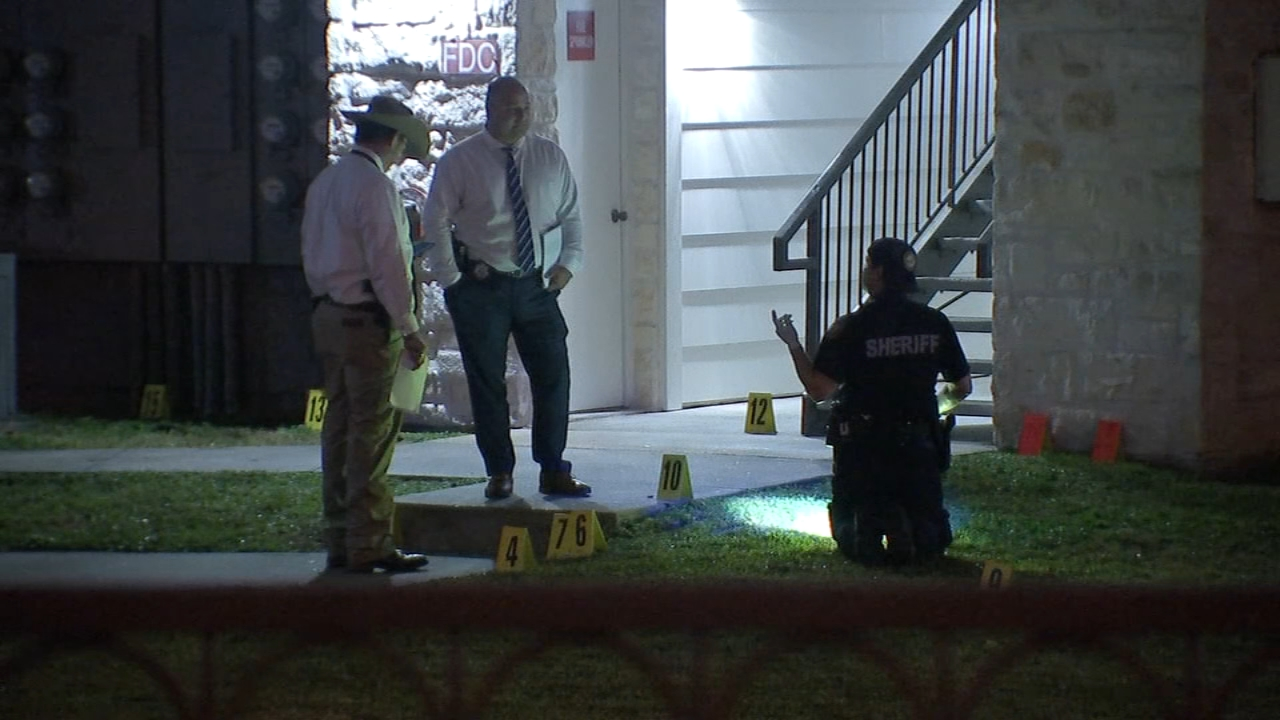 Man shot to death after confronting disturbance outside his NW Houston apartment
