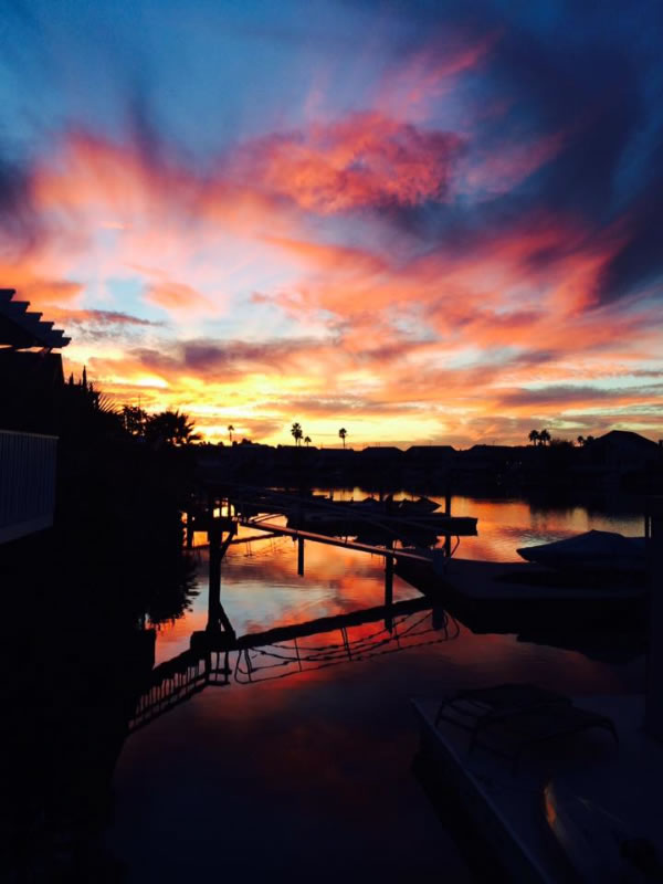 "<div class=""meta image-caption""><div class=""origin-logo origin-image none""><span>none</span></div><span class=""caption-text"">This beautiful sunset was spotted in Discovery Bay, Calif. on Sept. 23, 2015. (Photo submitted to KGO-TV by Julie Mourelatos/Facebook)</span></div>"